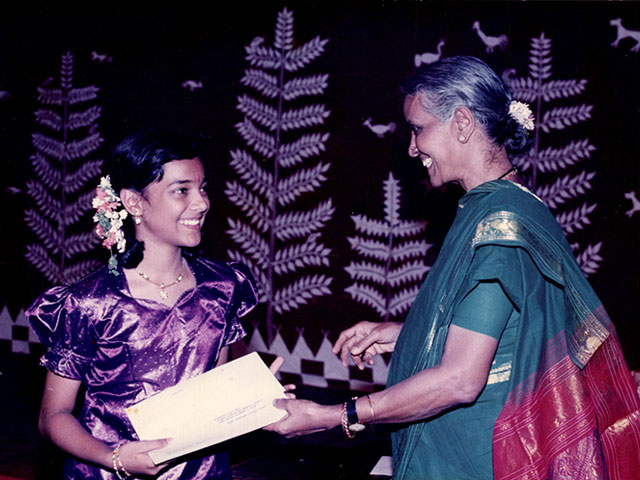 Receiving prize from Smt Mani Krishnaswami